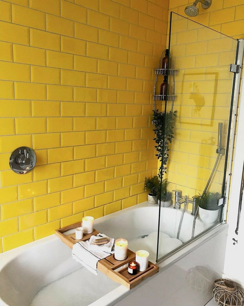 bathroom design with yallow color